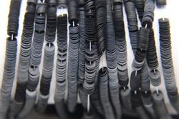 Пайетки матовые Noir, 4 мм
